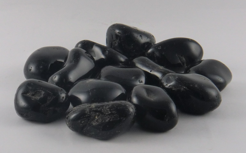 What are Black Gemstones? – BuddyBits