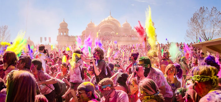 This is how more than 50,000 Firangis celebrate Holi in Utah!