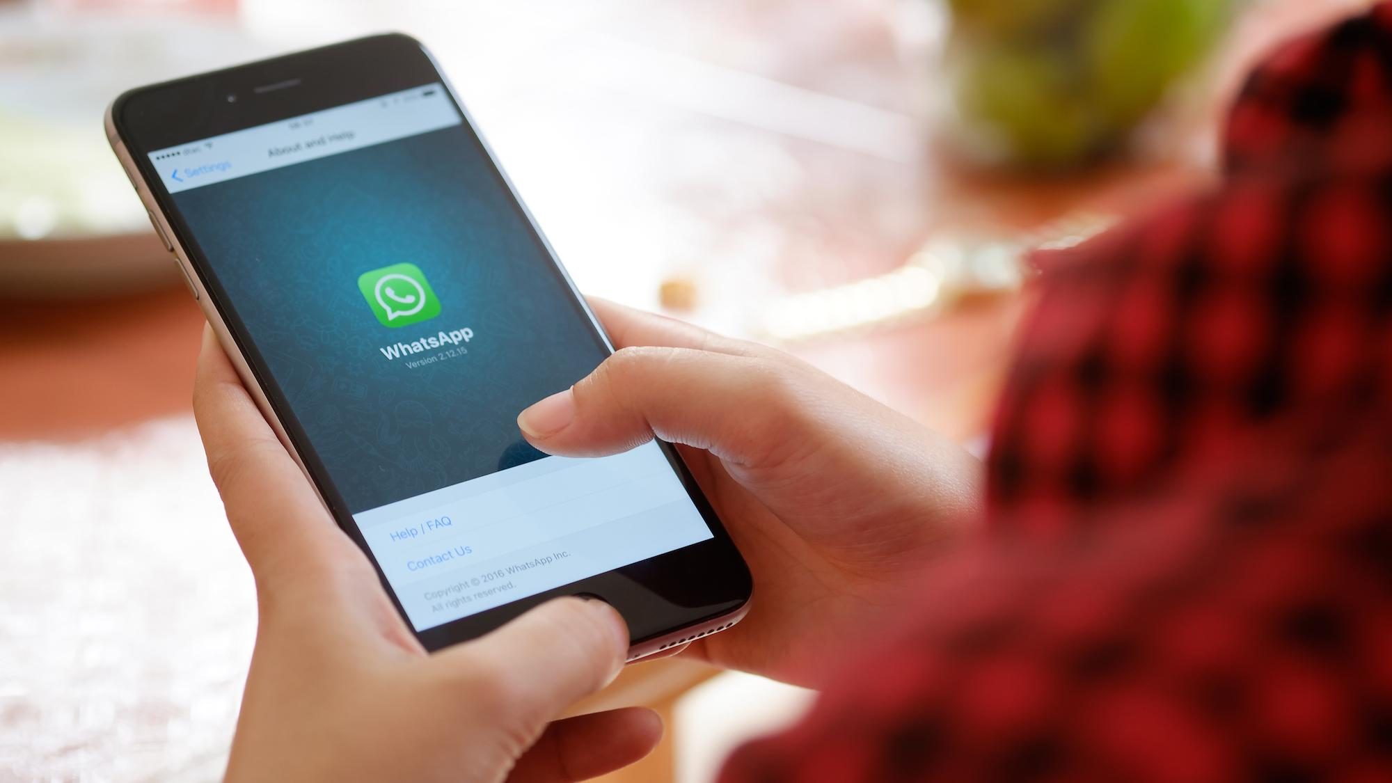 Your Whatsapp Chats Are Being Read By Facebook, And There's Nothing You Can Do About It!