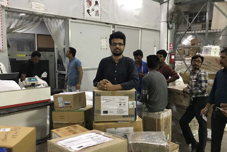 Relief Material For Kerala Flood Victims Is Allegedly Being Mismanaged, Eatables Rotting Away!